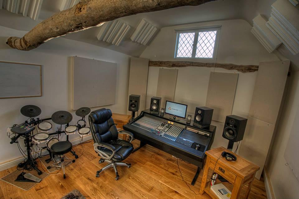 Crooks Hall Studio GIK Versifusor Tri Traps