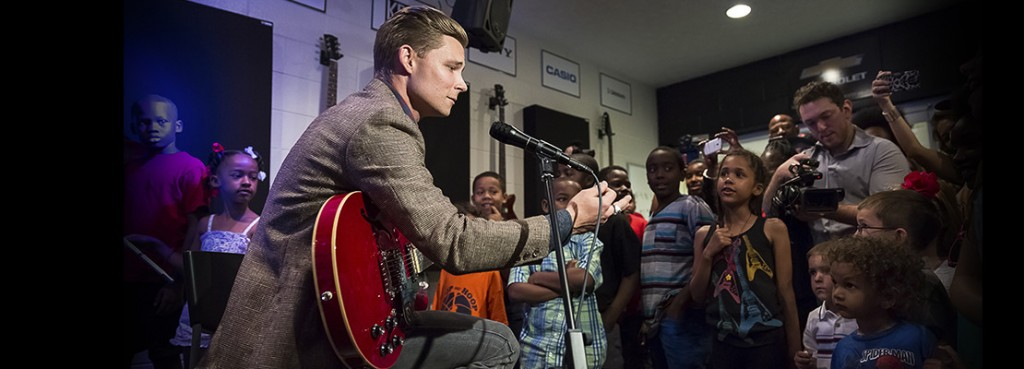 Frankie Ballard at the grand opening in Detroit