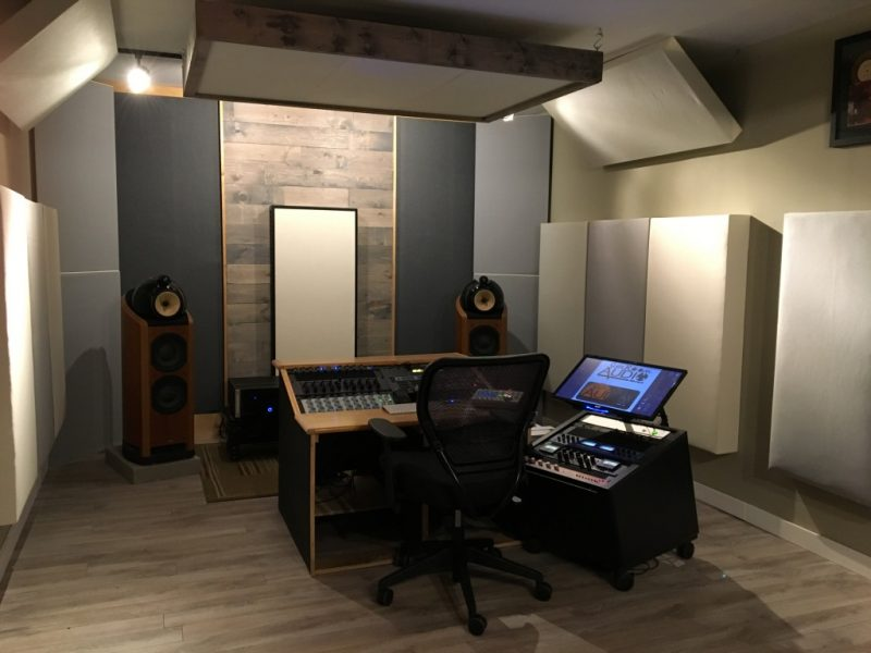 Bass Traps Tri Traps and hanging cloud panels by GIK Acoustics in Sun Room Audio Mastering Studio