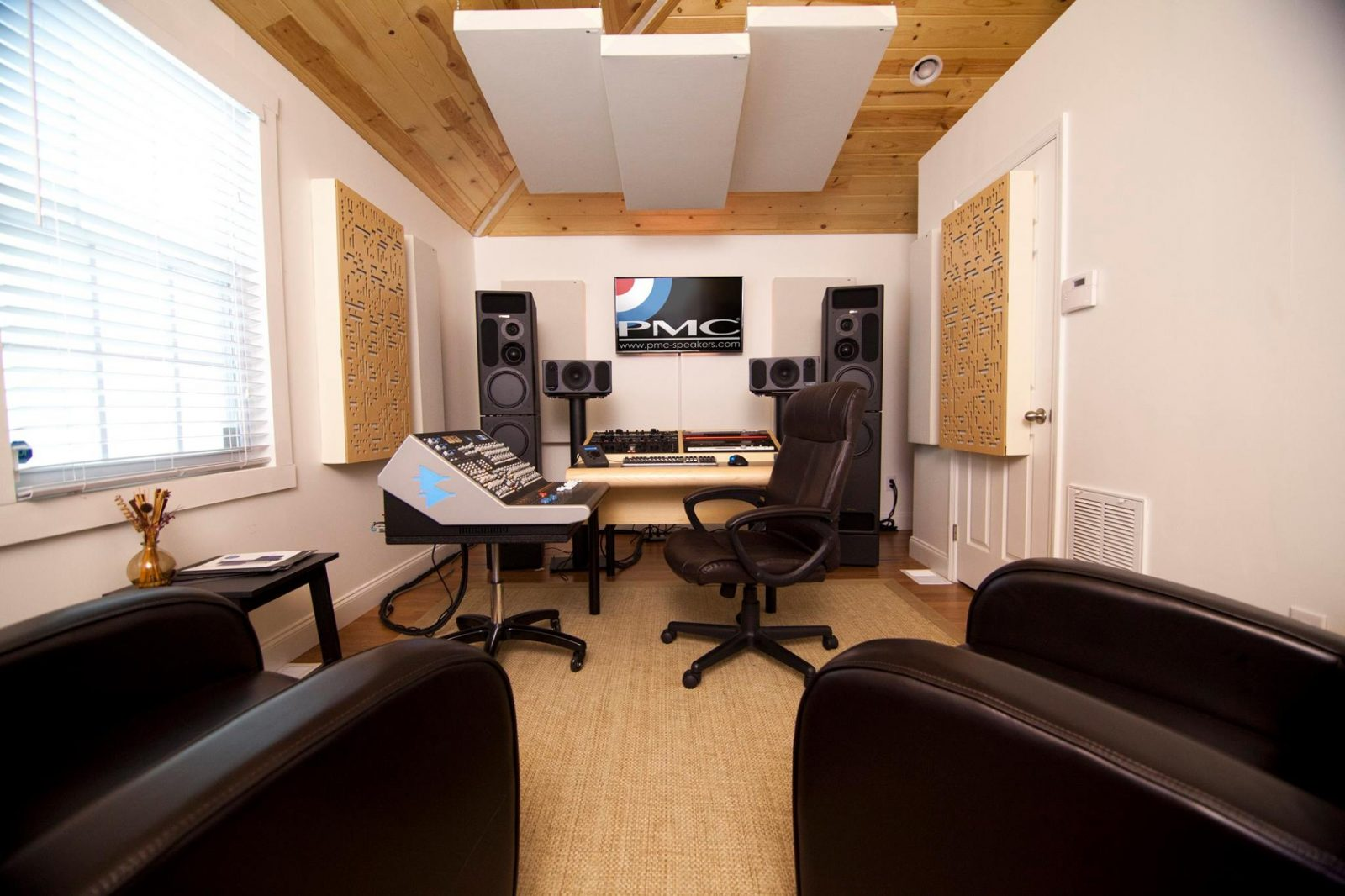 GIK Acoustics Alpha Series Bass Traps absorber diffusor 2-Dimensional binary sequence PMC Studio