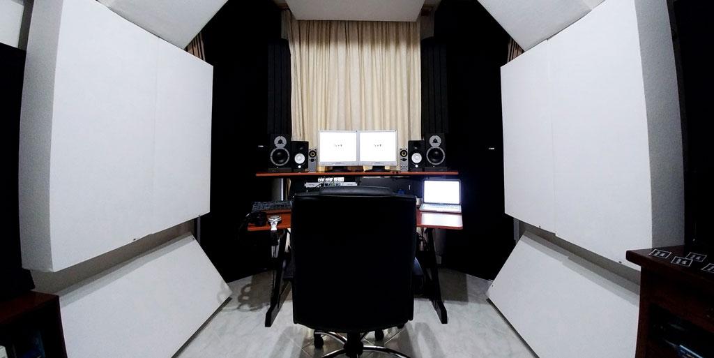 Luigi Lusini GIK Acoustics Bass traps on side walls
