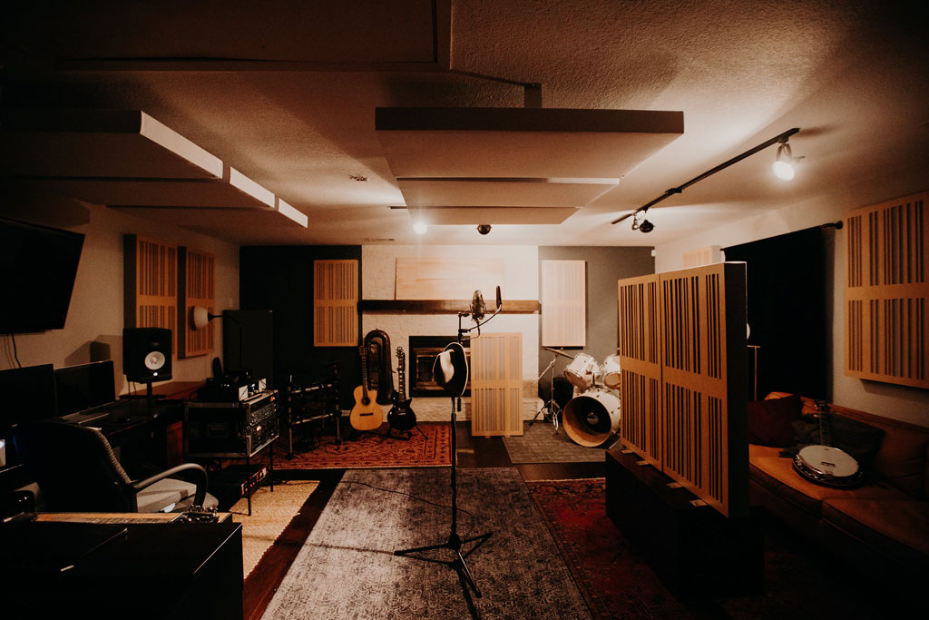 Home recording studio ideas for mic placement GIK Acoustics Alpha Series 1D MRStudios