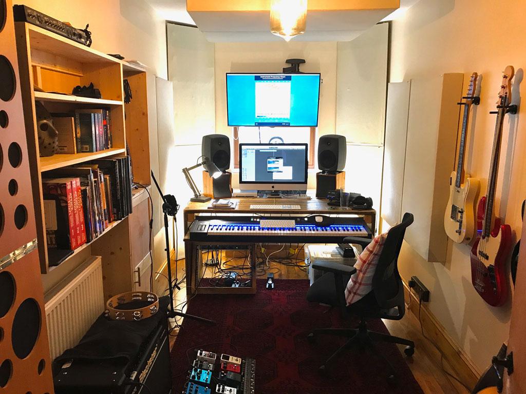 Scott Hazel England Home Studio with TriTraps Bass traps and PIB